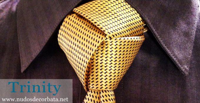 Nudo de corbata Trinity